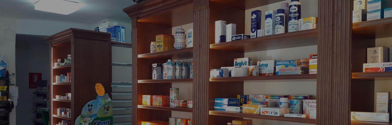 areco_design_arredi_commerciali_farmacie