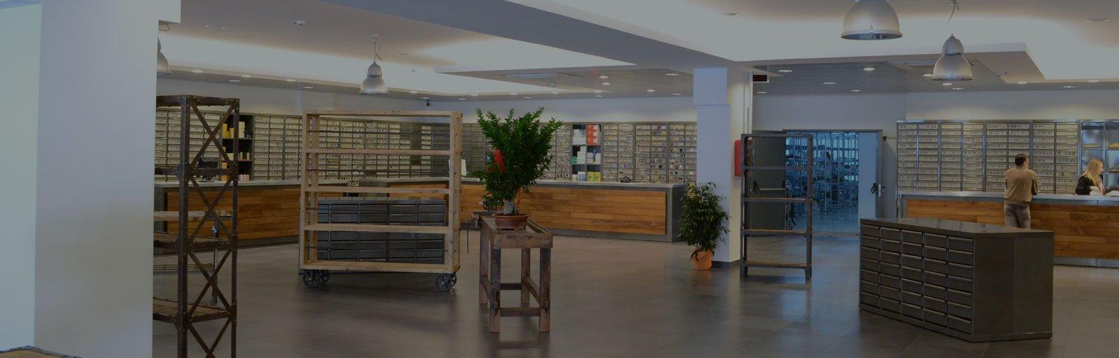 Arredo negozi Areco Design Falegnameria