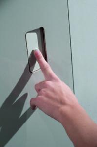Maniglia, Apri la porta senza maniglia